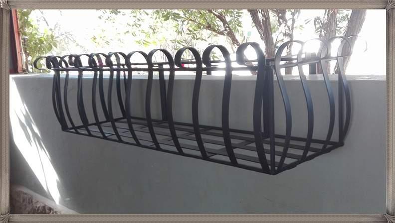 ac102-waterloo-wall-planter-