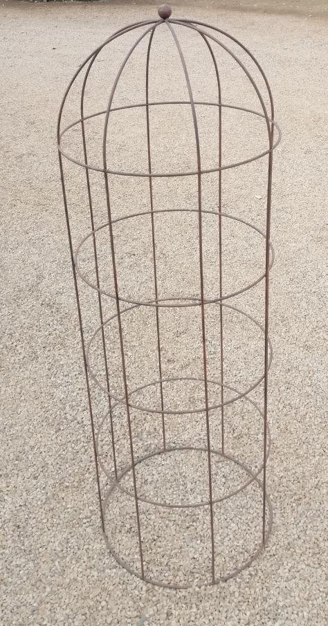 ac521-round-obelisk-large-&oslash600