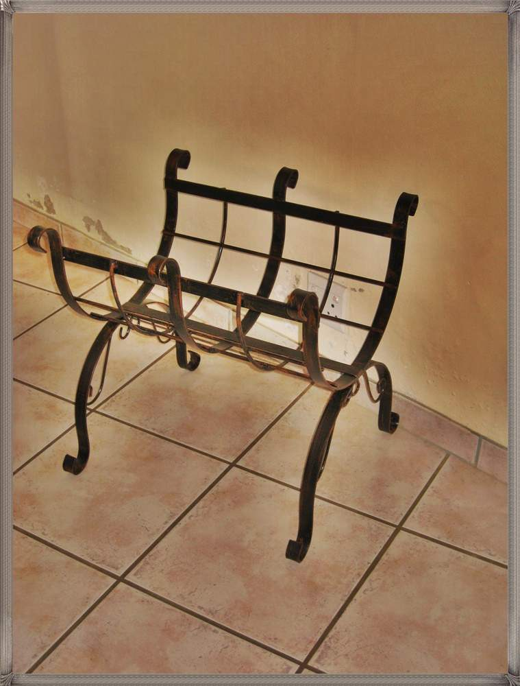 ac10-steel-log-holder