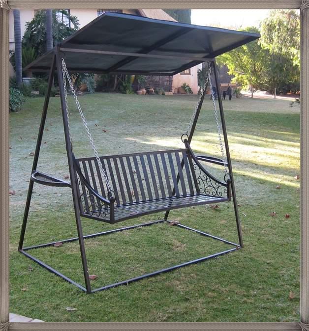 b3a-bench-mars-on-a-swing