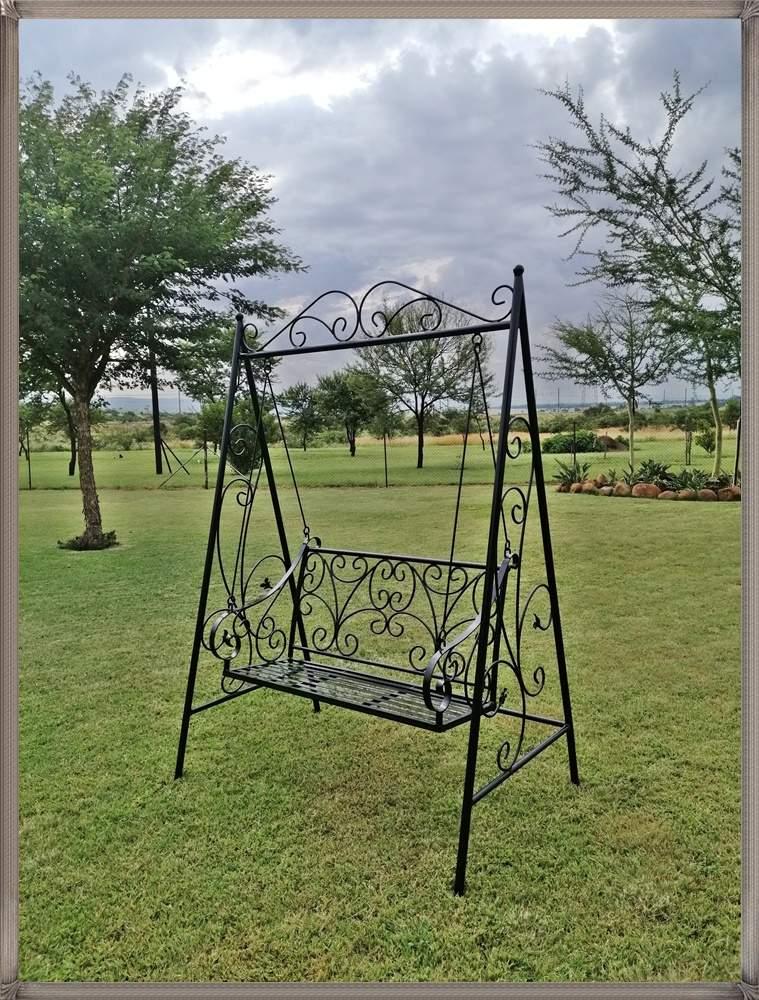 ex41b-swinging-victorian-garden-bench