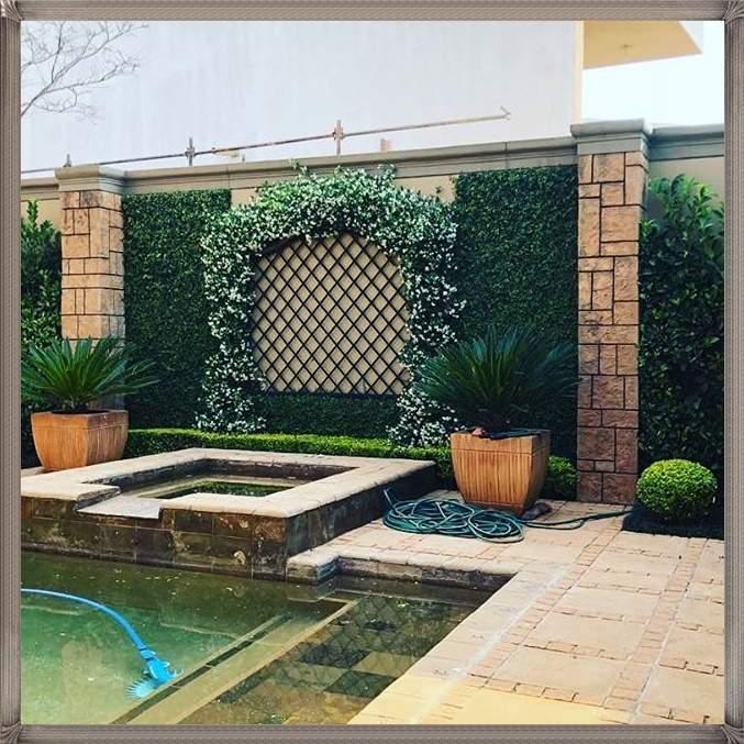 trellis-with-latticework-and-walldecoration