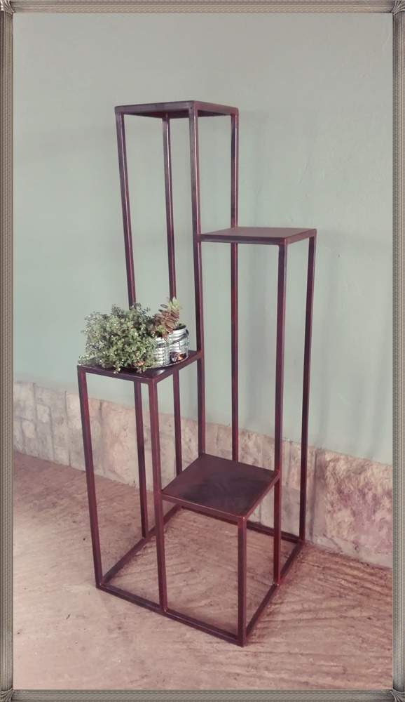 st10-square-4-step-stand