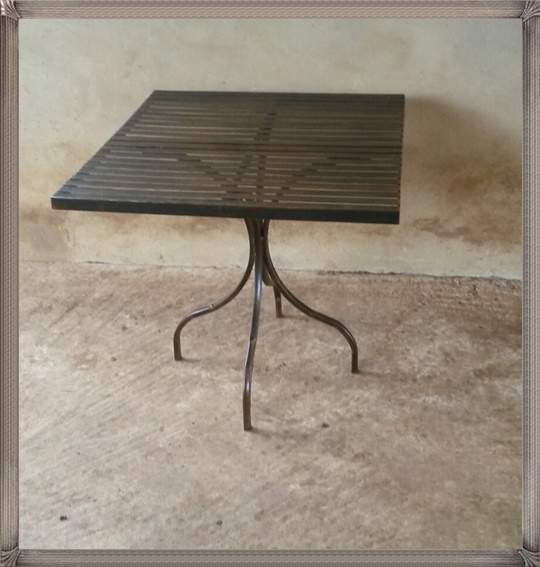 square-lily-table-with-solid-or-flat-bar-top