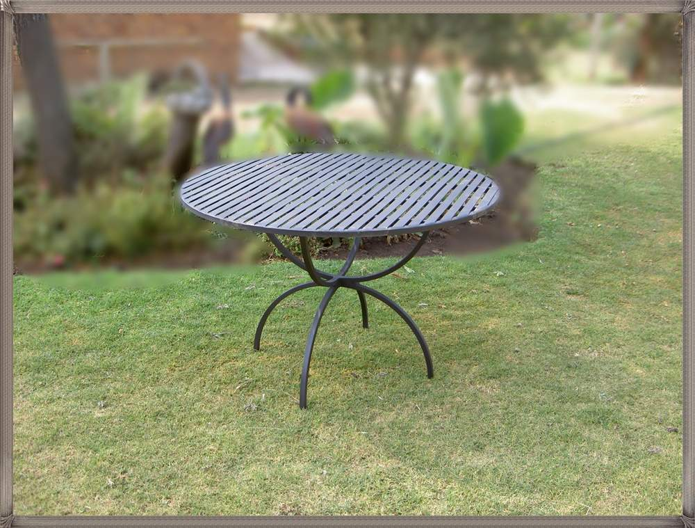 -table-spring-&oslash1200mm-with-flatbar-top-