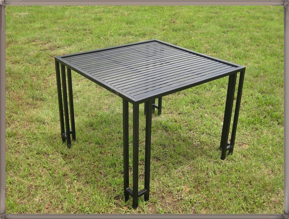 t24-table-summer1000-sq-with-flatbartop